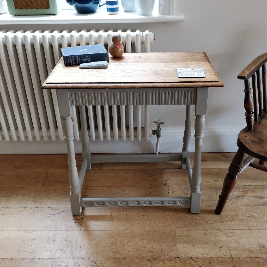 Small Vintage Oak Table Sofa Coffee Side Occasional