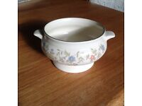 Six soup bowls excellent condition House and Home Country garland design
