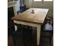 Solid oak kitchen table, bought originally from Tobias and the Angel, seats 6 adults comfortably