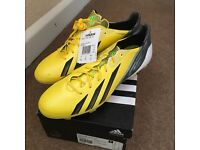 Football boots UK 10