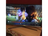 """Samsung 32"""" smart tv mint condition 3 months old"""