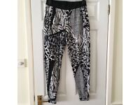 River Island black and white patterned leggings in excellent condition - size 12