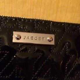 Jaeger Clutch
