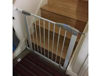 3 Lindam Sure Shut Axis Pressure Fit Safety Gate - 76 - 82 cm and 2 extensions of 7 and 14 cm