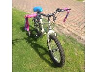 Girl's bicycle with stabilisers . Excellent condition
