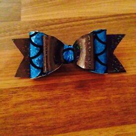 Mermaid bows