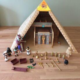 Playmobil pyramid
