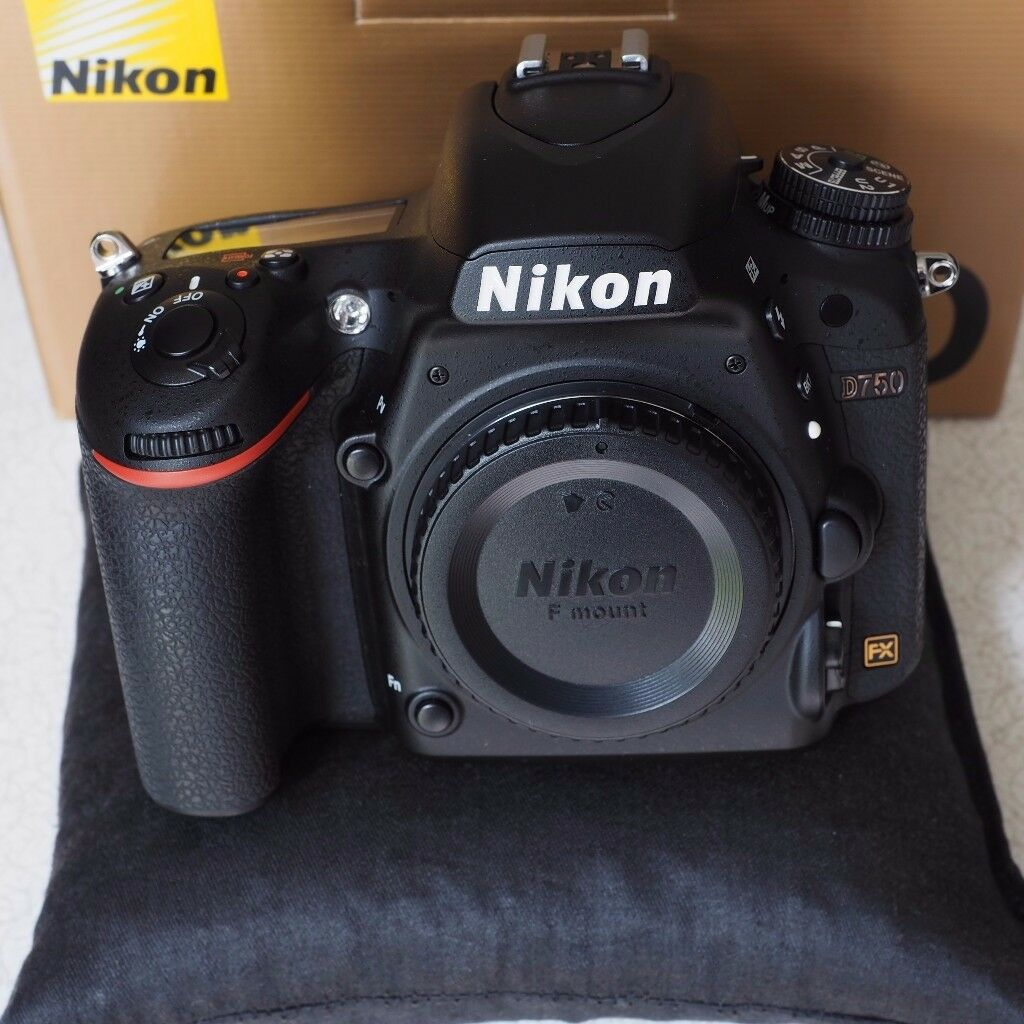 Nikon D750 DSLR, as new, 3 months transferable warranty. Reference book & shutter release included.