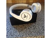 Armani white headphones new in box rrp £100
