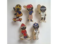 5 X Robertsons 1990's Golly Badges -ALL VGC