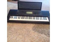 Yamaha PSR 620 Digital Electronic Keyboard Piano & Stand