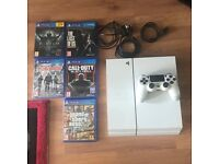 PS4 Glacier White with 5 games