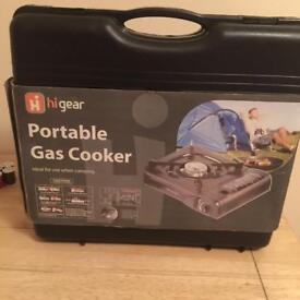 BRAND NEW PORTABLE GAS COOKER COST £24 BARGAIN £9