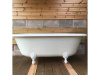 Bath tub reproduction roll top