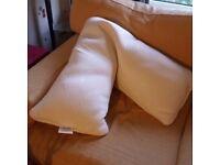 V pillow