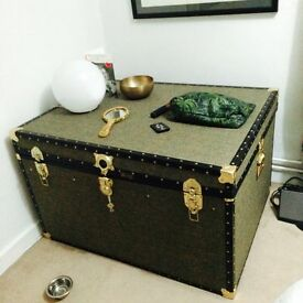 HARRIS TWEED TRUNK - Excellent condition