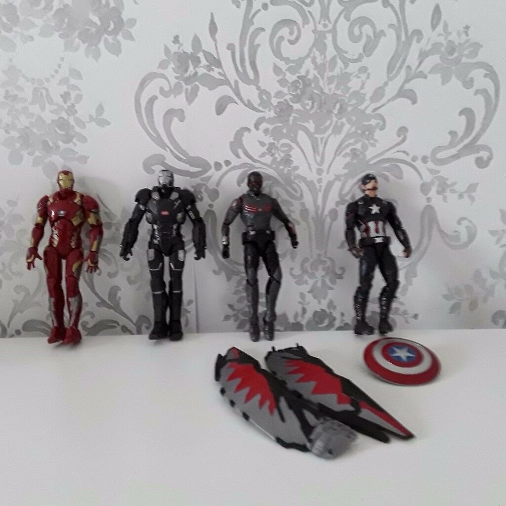 MARVEL Die Cast Figures ***LIKE NEW*** Cost £80