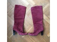 Lovely Raspberry-coloured suede boots