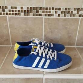Man's casual trainers Adidas size 9
