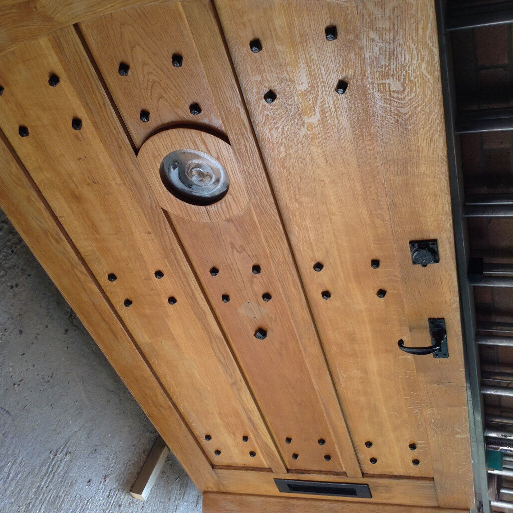 Solid Oak Front Door & Frame - Excellent quality and condition ***Delivery***