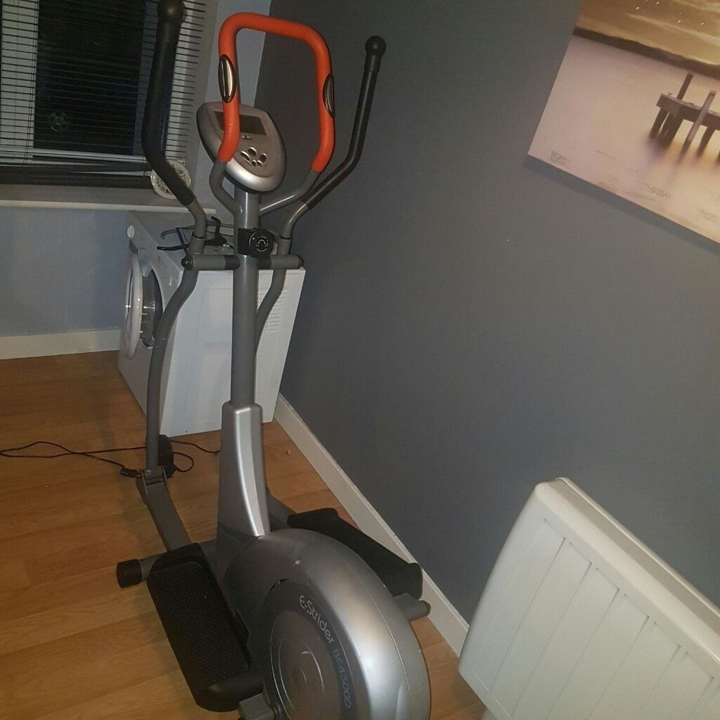 E-strider BE43OOD body sculpture cross trainer