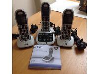 Triple cordless telephones