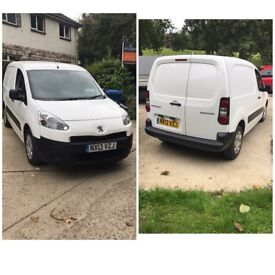 Van runs and drive 100% mint condition inside and out never seen a hard days work 3500 ovno