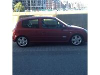 Clio 172 flame red