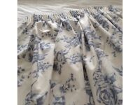 BEAUTIFUL TOILE CURTAINS AND MATCHING THROW