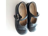 Startrite navy shoes, 8E, great condition