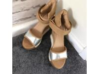 Woman's wedges size 4/37 still like new