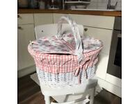 Rattan wicker shabby chic picnic basket with lining