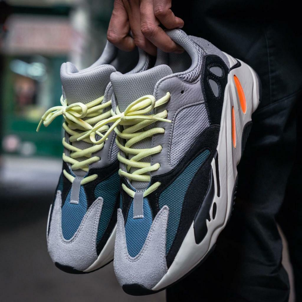 e2744af353753 Adidas yeezy wave runner 700 dead stock