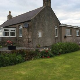 Self Catering Serviced Accommodation / rooms to rent for contract / AWPR workers in 3 bed house