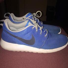 Blue Roche Runs - size 8