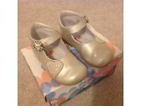 Andanines Champagne Patent Heart Shoes Size22/uk 5