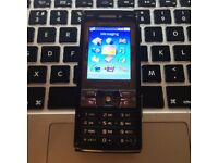 Perfect RETRO Classic Unlocked Sony Ericsson K800i Mobile SmartPhone + Charger + Sim Card