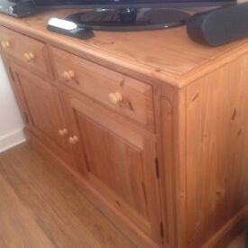 Solid Wood Traditional Sideboard.