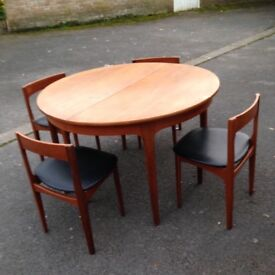 Dining table and 4 chairs vintage sixties
