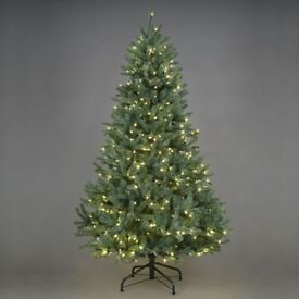 5 ft. Pre-lit Green Christmas Tree, Used, VERY GOOD Condition, FREE TO COLLECT