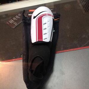 Nike Shin Pads (sku:PKYPZW)