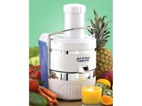 Jack LaLanne Power Juicer CL003AP. White. Never been used. Unwanted gift from USA.