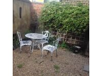 WATHAMSTOW VILLAGE LARGE 2 DOUBLE BEDROOM FLAT on BEULAH ROAD
