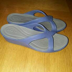Crocs blue sandal size 8. 5 1/2 uk