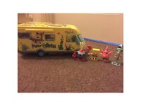 Spongebob van and characters