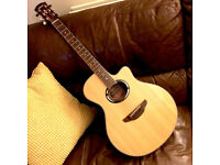 Hardly used semi acoustic guitar - Yamaha APX 500