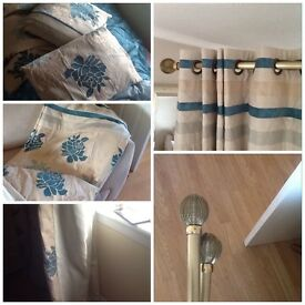 9ft wide each curtain/ 7ft Curtains,Pole & 7 matching cushions