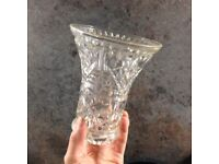 Vintage crystal vase, ideal to put flowers