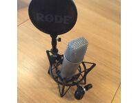 Røde NT1-A Studio Condenser Microphone + Shockmount + Integrated Pop-Filter