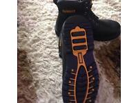 De Walt safety boots